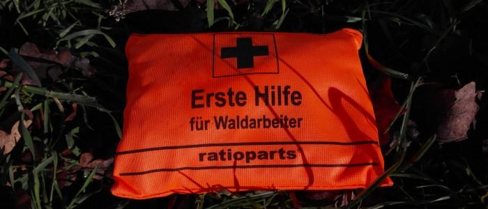 Erste - Hilfe - Päckchen - für - Waldarbeiter