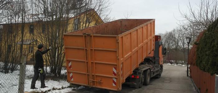 Schnittgutcontainer - Anfahrt